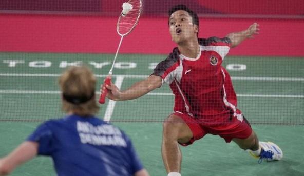 Piala Sudirman 2021 : Anthony Ginting Menyerah 2 Set Langsung, Indonesia Tertinggal 1-2 Atas Denmark