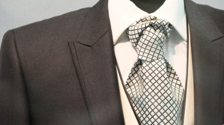 Plt Gubernur Akan Cek Anggaran Baju Dinas DPRD Sulsel yang Nyaris 1 M