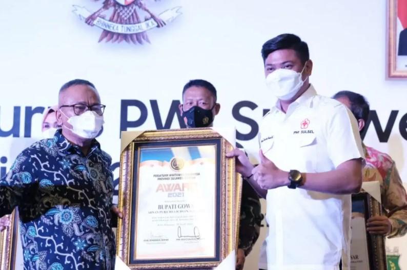 Raih Penghargaan Peduli Pers dari PWI, Adnan Puji Kinerja Dinas Kominfo Gowa