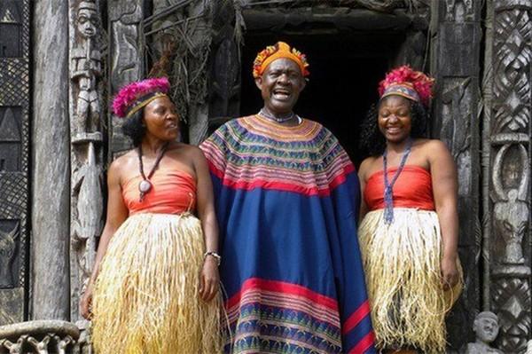 Raja Afrika miliki 100 Istri dan 500 Anak, Berkat Warisan Dari Ayahnya