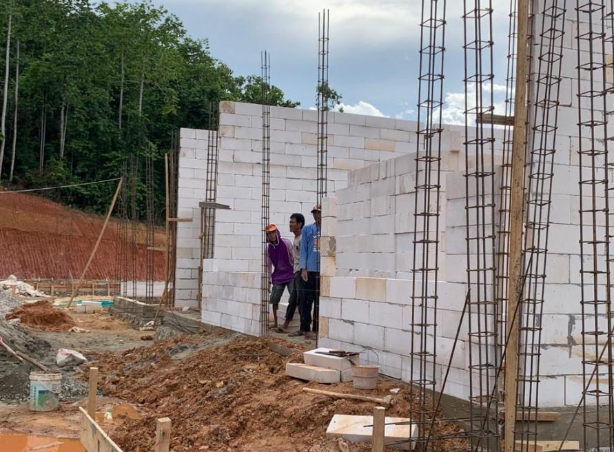 Relokasi SDN 1 Toronipa, Warga : Kami Berterima Kasih Kepada Mantan Kapolri dan Pemilik Lahan
