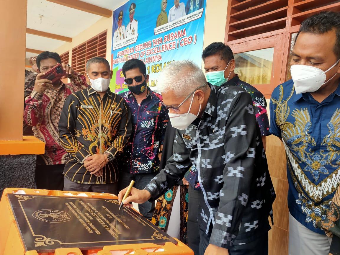Resmikan Gedung CEO, Kadikbud Sultra Puji Prestasi Kepala SMKN 1 Kolaka