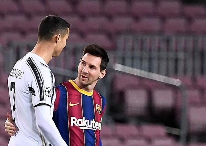 Ronaldo Ungkap Keinginannya Satu Tim dengan Messi