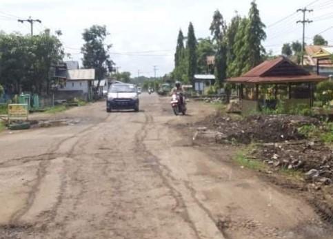 Ruas Jalan Cabenge Soppeng Rusak Parah, Pemprov Sulsel Lakukan Rekonstruksi