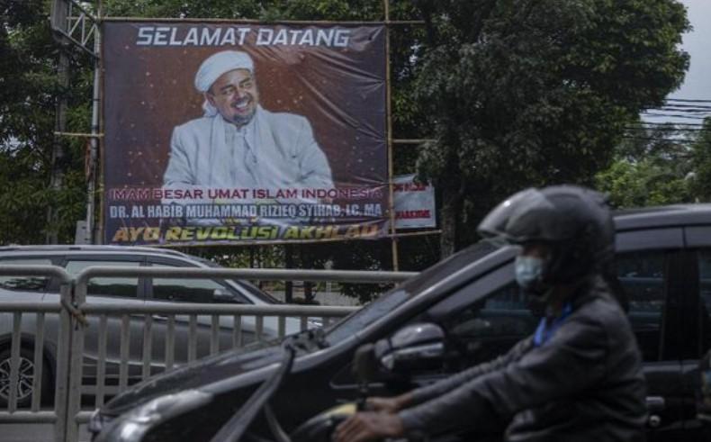 Sapa Pendukung Sebelum Tinggalkan Saudi, Habib Rizieq: Sampai Jumpa di Tanah Air