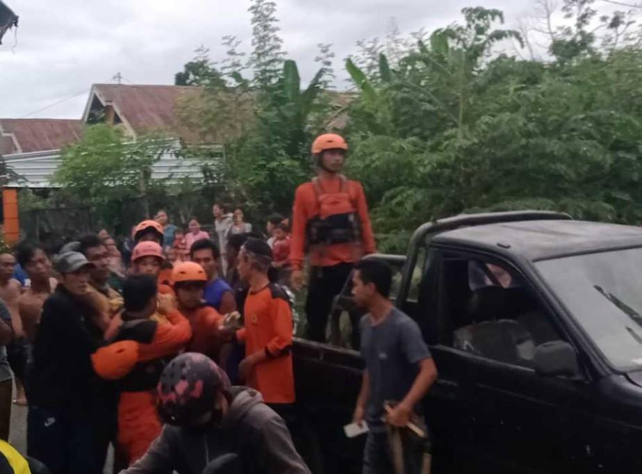 Satu dari Dua Anak yang Hanyut Terseret Banjir Sungai Pajalesang Ditemukan Tak Bernyawa