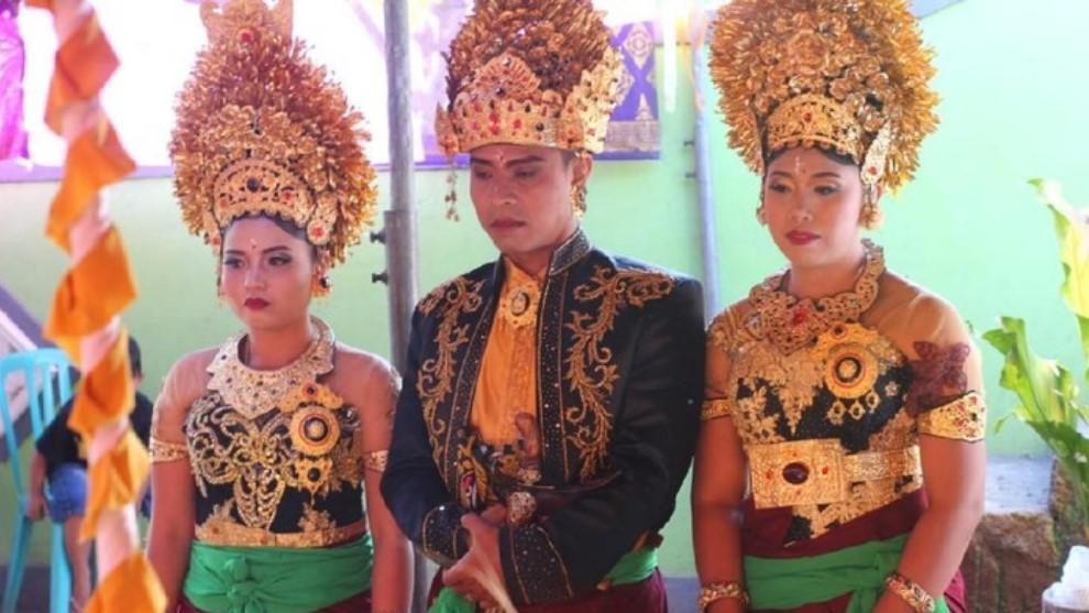 Seorang pria di Buleleng  Bali Nikahi 2 Wanita Sekaligus
