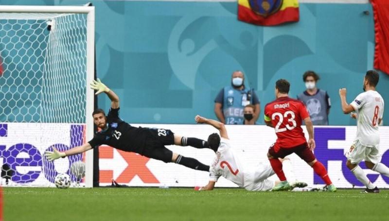 Spanyol Lolos ke Semi Final Euro 2020 Usai Taklukkan Swiss Lewat Drama Adu Penalti, 1 Kartu Merah
