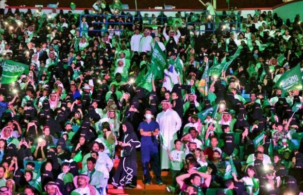 Sudah Vaksin Covid-19, Saudi izinkan Warga  Nonton di Stadion