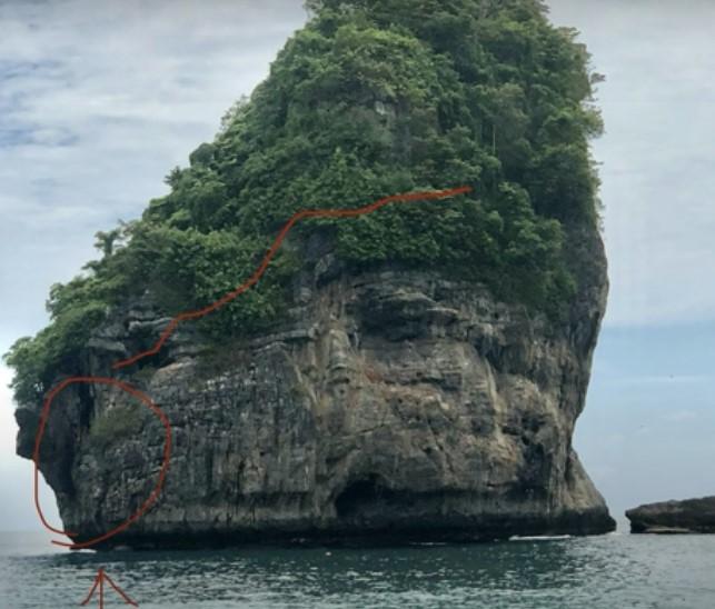 Tak Rela Dronenya Hilang, Seorang Turis Nekat Bertaruh Nyawa