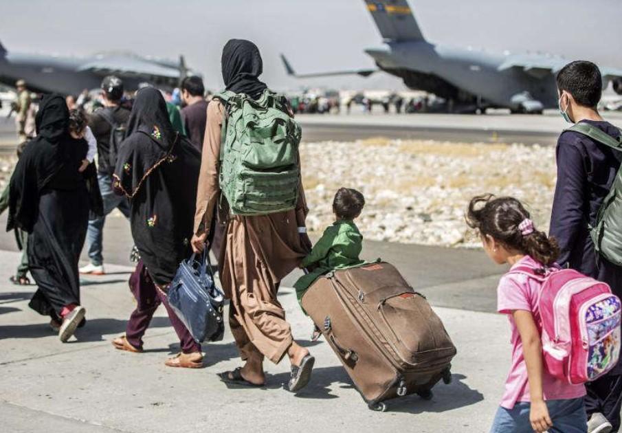 Taliban Siap Ambil Alih Bandara Kabul