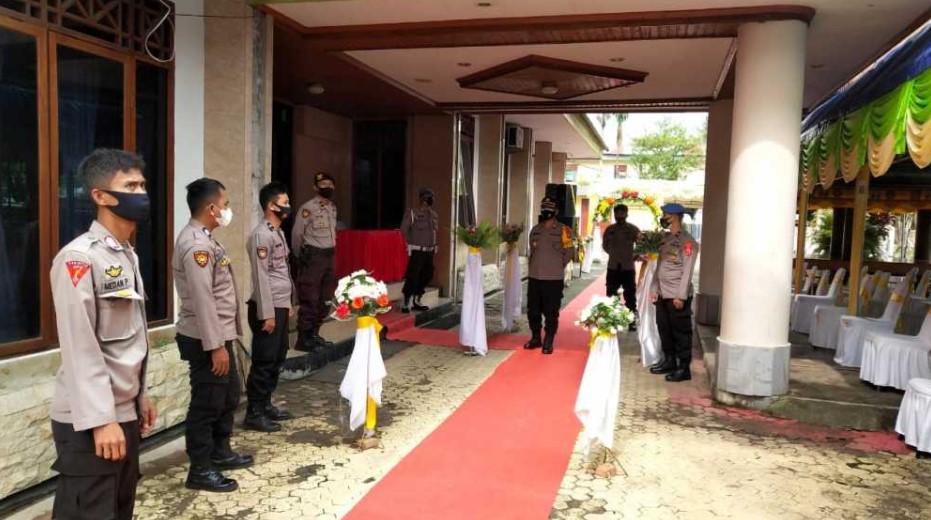 Tegas! Kapolsek Rantepao Hentikan Kegiatan Pernikahan di Hiltra Hotel