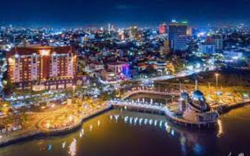 Tekan Penyebaran Covid-19, Warga Makassar Dilarang Beraktivitas diluar Rumah diatas Jam 8 malam
