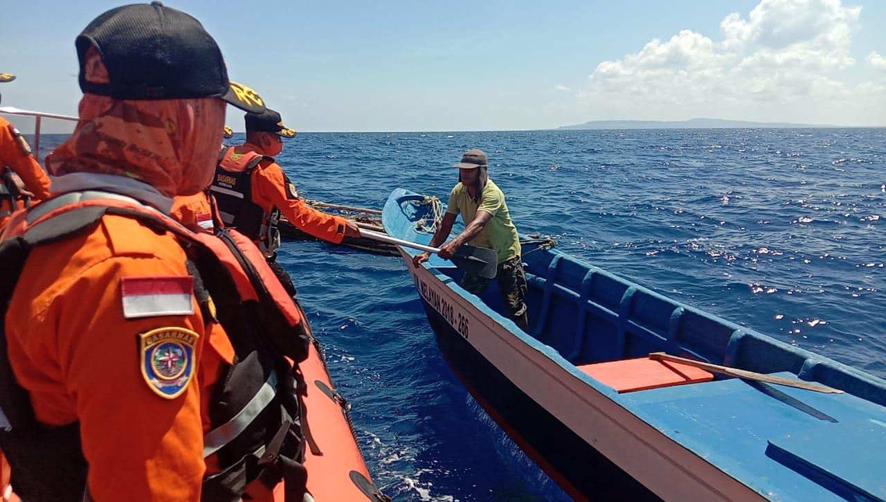 Terombang-ambing di Laut,  Longboat Pemancing Berhasil di Evakuasi SAR Wakatobi
