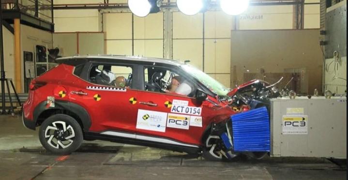 Uji Tabrak Mobil 200 Juta Nissan, Hasilnya Mencengangkan