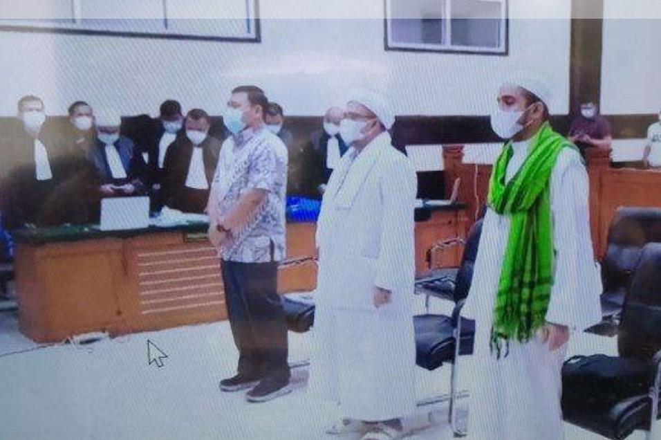 Unjuk Rasa Tuntut Bebaskan Habib Rizieq Berujung Ricuh