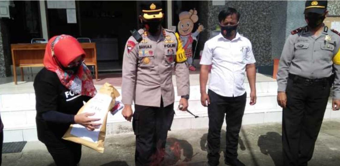 Usai Penyortiran, KPU Majene Musnahkan Kertas Suara Rusak