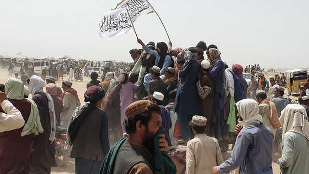 Usai Rebut Kekuasaan Afghanistan, Bendera Taliban Jadi Sorotan