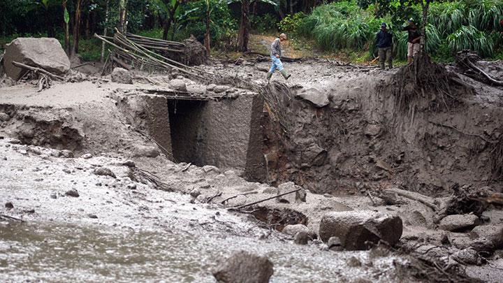 Viral Banjir Bandang di Puncak Bogor, Warga Panik Selamatkan Diri