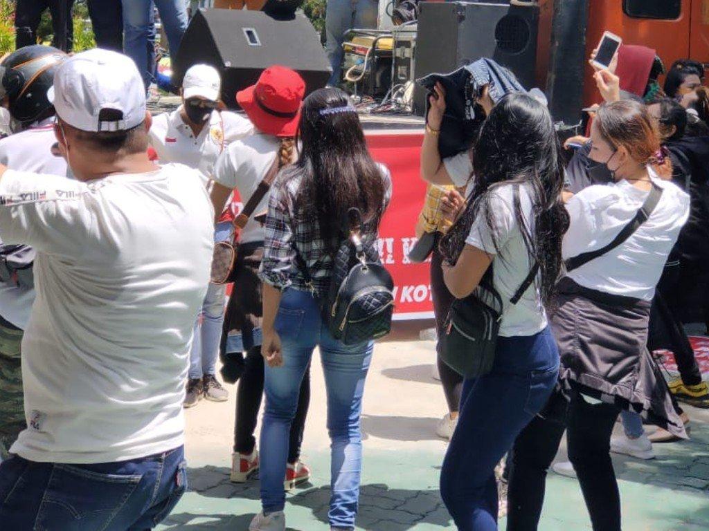 Viral Kantor Balai Kota Makassar Digoyang Ratusan Pekerja THM ?