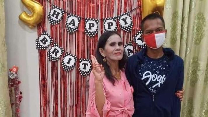 Viral Seorang Pemuda Lajang di Kalteng Nikahi Nenek `Luna Maya` Berusia 62 Tahun