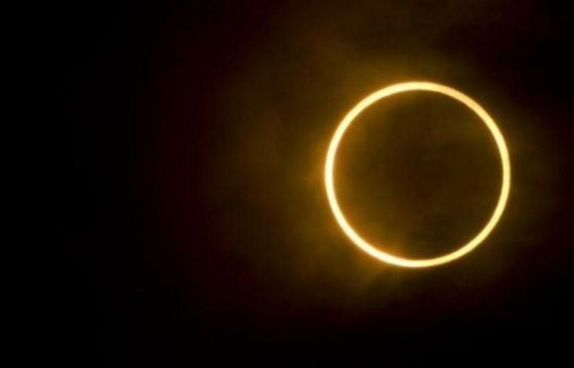 Waktu yang Tepat Menyaksikan Gerhana Matahari Cincin Hari Ini