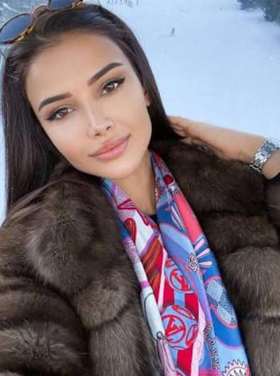 Wanita Cantik ini Dibayar Rp 70 Juta Dalam Sehari, Pekerjaannya Hanya Menjadi Pendamping Pangeran Kerajaan