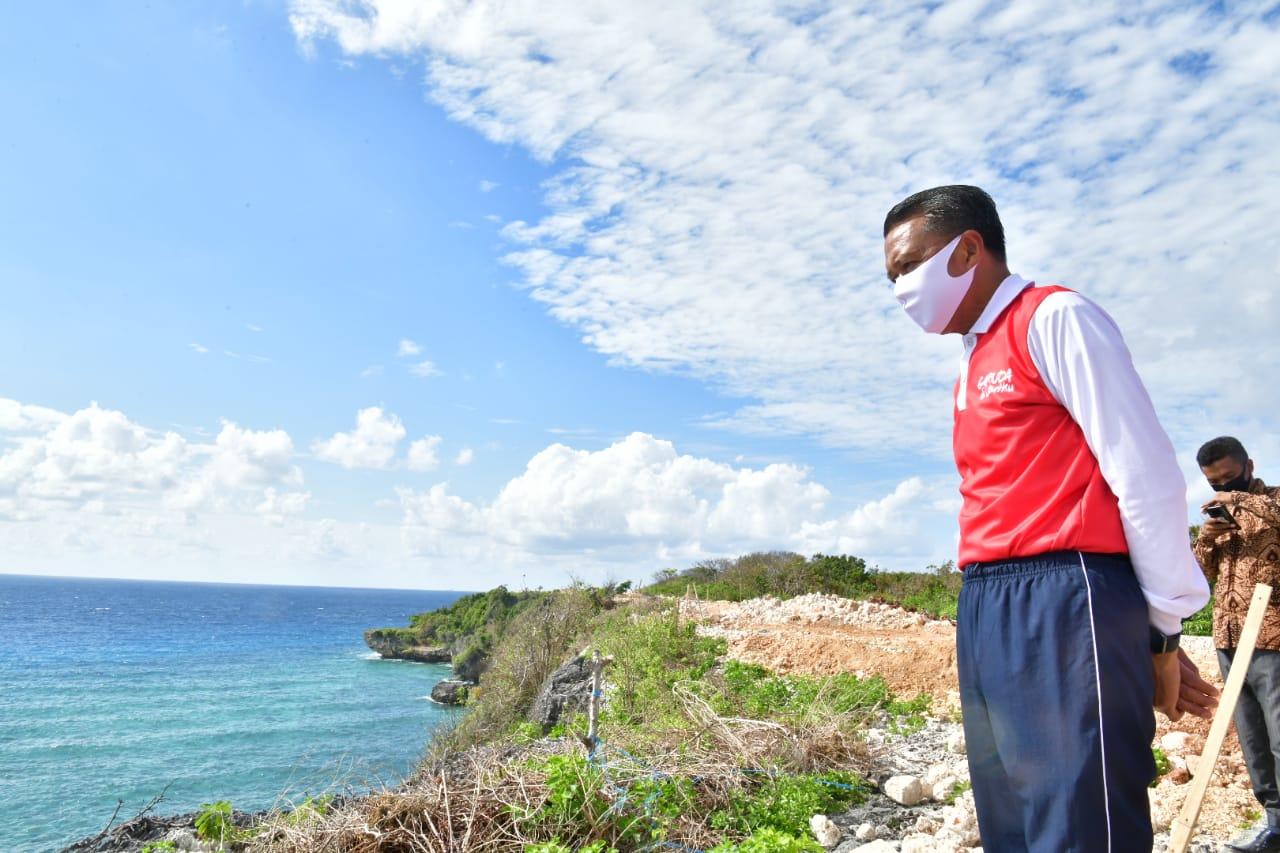 Gubernur Tinjau Progres Proyek Rp 45 Miliar di Kawasan Wisata Bulukumba